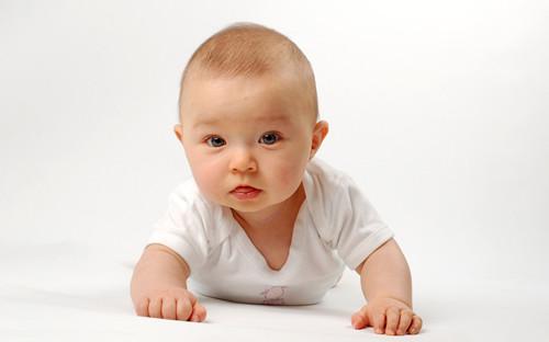 其实婴儿痘痘也并不罕见