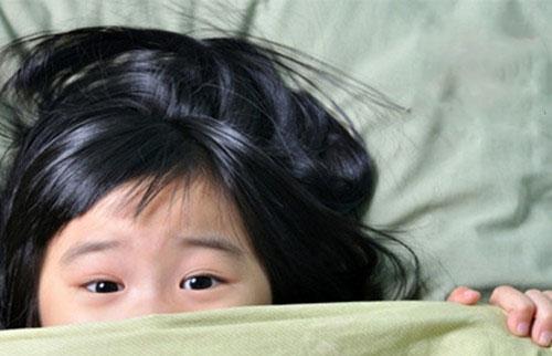 可爱小孩子哭的图片